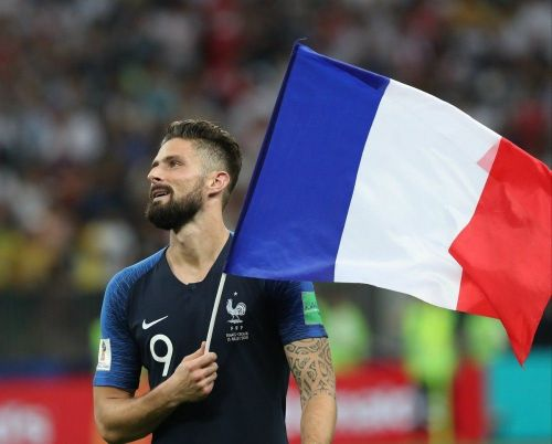 Olivier Giroud a changé de tête:  attention, ça surprend !