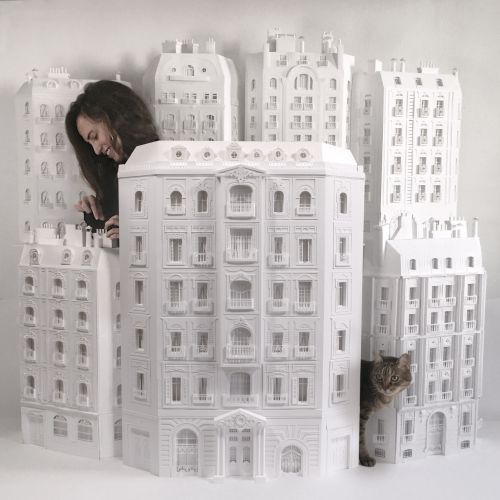 Amazing Haussmann Building with Paper