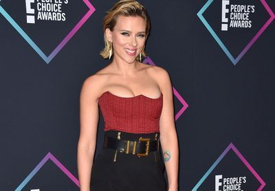 Scarlett Johansson, Victoria Beckham, Mila Kunis:  le tapis rouge sexy des People's Choice Awards
