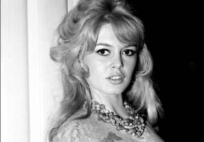 Brigitte Bardot en couple avec Johnny Hallyday:  elle donne sa version !