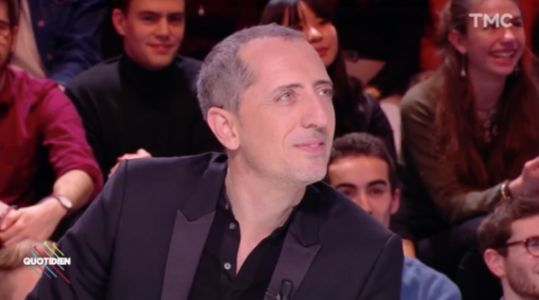 VIDEO. Gad Elmaleh en larmes devant son fils qui défile à la Fashion Week