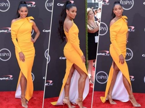 Ciara:  maxi robe jaune ultra sexy, on craque totalement !