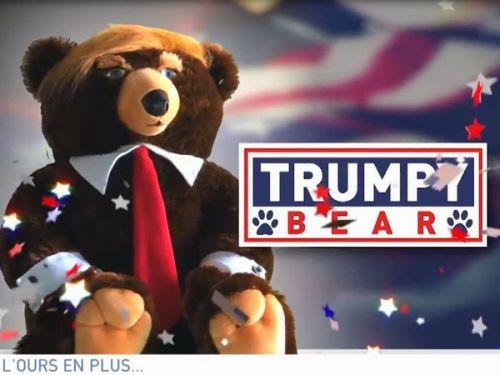 VIDEO. Donald Trump a un ours en peluche à son effigie
