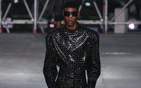 Balmain met le feu à Paris pour le Red project