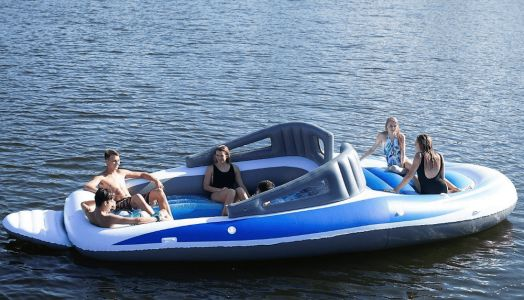 An Inflatable Yacht for your Holidays