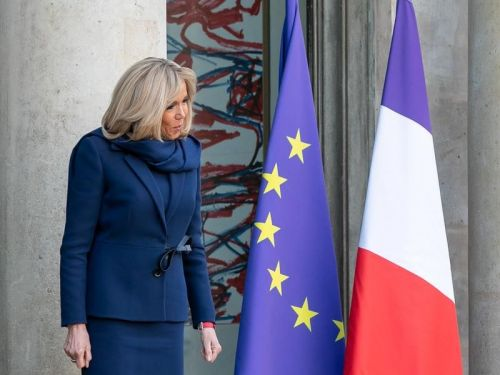 Bleu-blanc-rouge:  le dress code patriotique de Brigitte Macron