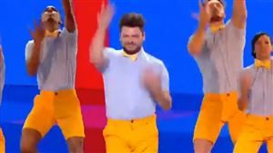 Kev Adams parodie Stromae aux NRJ Music Awards: sa prestation divise