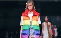 Les adieux arc-en-ciel de Christopher Bailey à Burberry