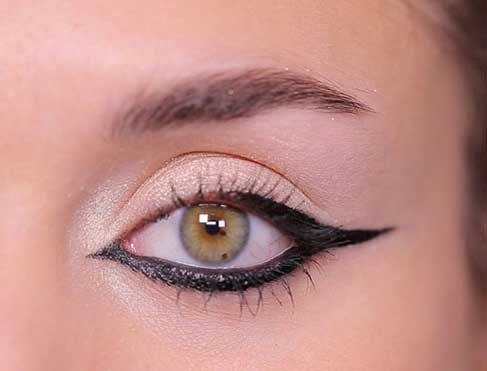 Make-up glamour:  l'eye-liner graphique