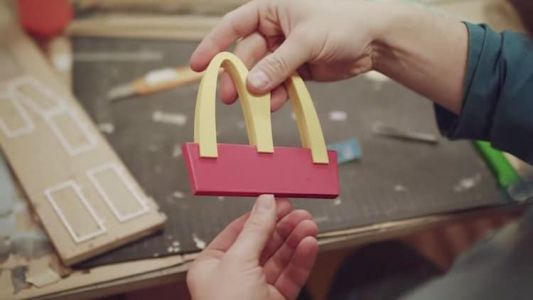 McDonald Creates the First Restaurant for Bees