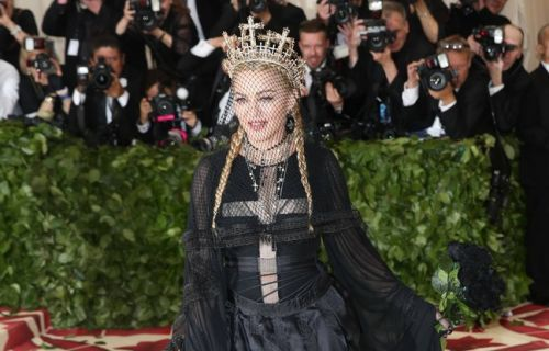 Attentats de Christchurch: Madonna, Amy Schumer, Chris Rock. Les stars font un don aux victimes