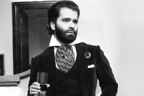 Karl Lagerfeld en plus de 10 photos insolites