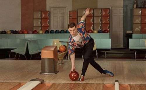Lancement de la collection capsule exclusive M. Porter x Prada inspirée du bowling vintage