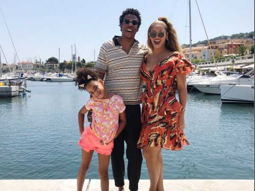 PHOTOS. Beyoncé, Jay-Z et Blue Ivy:  l'adorable photo de famille en vacances