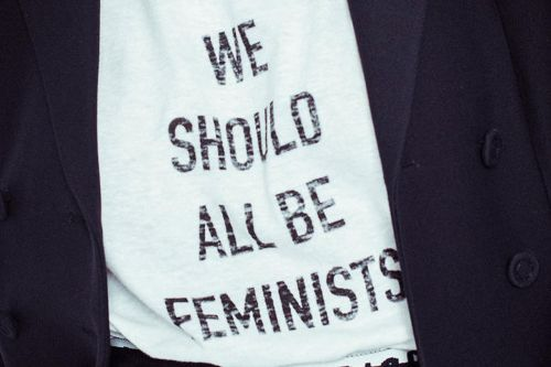"""We should all be feminists"" by Dior, quand la mode rencontre le féminisme sur le dos des stars"