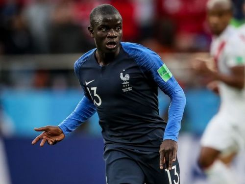 PHOTO. Quand N'Golo Kanté, champion du monde, hèle un taxi comme un simple Parisien