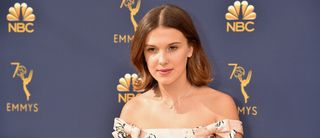 """You"":  Millie Bobby Brown défend le personnage de Joe dans la série"