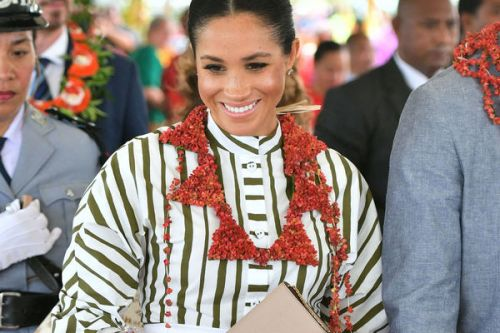 PHOTOS. Meghan Markle splendide dans une tenue traditionnelle aux îles Tonga