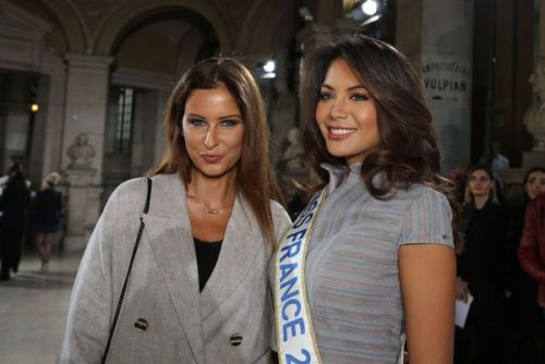 PHOTOS. Duo de Miss:  Malika Ménard et Vaimalama Chaves radieuses à la Fashion Week de Paris