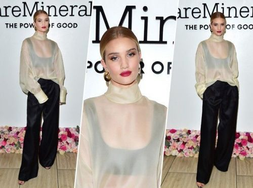 Rosie Huntington-Whiteley:  on craque pour son look sexy et distingué