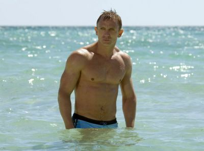 Saga:  Daniel Craig reste James Bond !