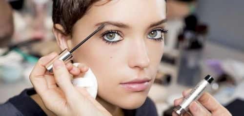 Maquillage:  comment sublimer ses sourcils ?