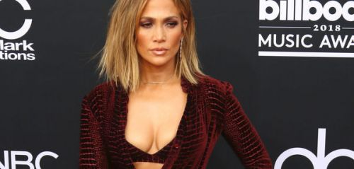 PHOTOS. Jennifer Lopez, Ciara, Hailey Baldwin. Les stars sensuelles pour les Billboard Music Awards