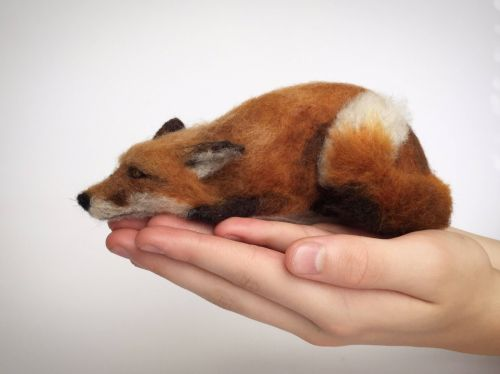 Animal's Sculptures Fitting in the Palm of Your Hand