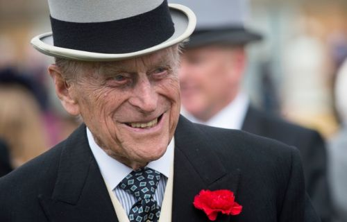 Royaume-Uni: Victime d'un accident de la route, le prince Philip s'en sort indemne
