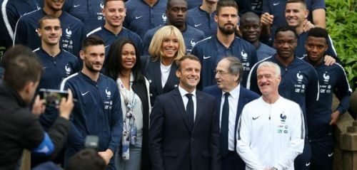 Quand Brigitte Macron parlait de son rôle de grand-mère avec Guy Stephan, l'adjoint de Didier Deschamps
